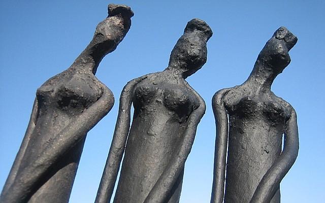 3 Graces - céramiques par Fabienne Urtado (640x400)